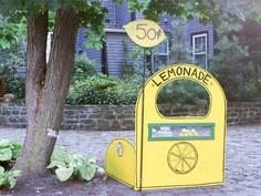 How to Build a Deluxe Lemonade Stand
