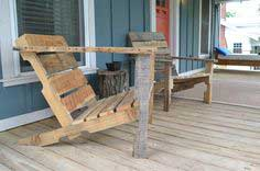 Build Your Own Wooden Deck Chair From a Pallet — for $10!