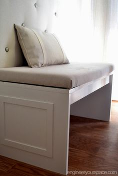 Bench for a banquette