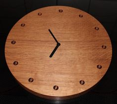 Oak clock made with router – tutorial