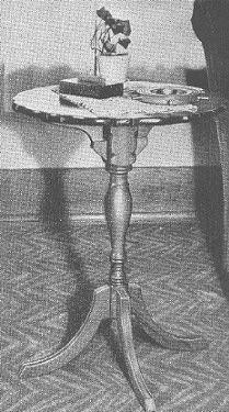 Build This Pedestal Drop Leaf Table