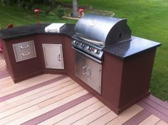 Outdoor Kitchen with Countertops
