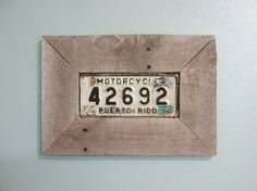 Picture frame from pallet wood